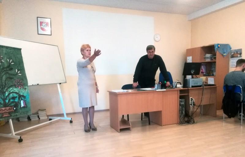Integruota lietuvių kalbos ir informacinų technologijų pamoka III klasėje